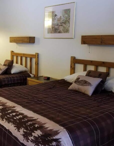 Queen Plus Twin Chalet Accessible, Eagle Cap Chalets